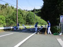 本社/技術研究所/生産技術センター 周辺道路や公園の草取りやゴミ拾いをしました