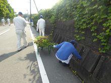 九州エフ・シー・シー 側溝掃除や近隣地域のゴミ拾いをしました