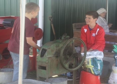 「歴史フェスティバル」 昔使われていた機械を体験