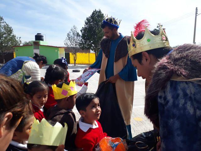 FCCメキシコ「子ども達へのおもちゃ寄付活動」