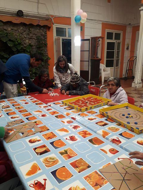 FCCメキシコ「高齢者への食品・生活消耗品の支援活動」