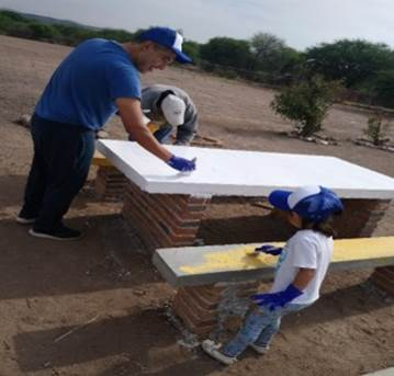 FCCメキシコ「地元小学校の設備修繕の協力活動」