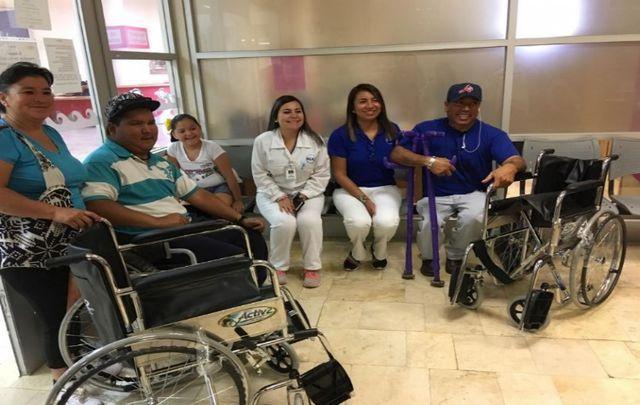車椅子の寄贈